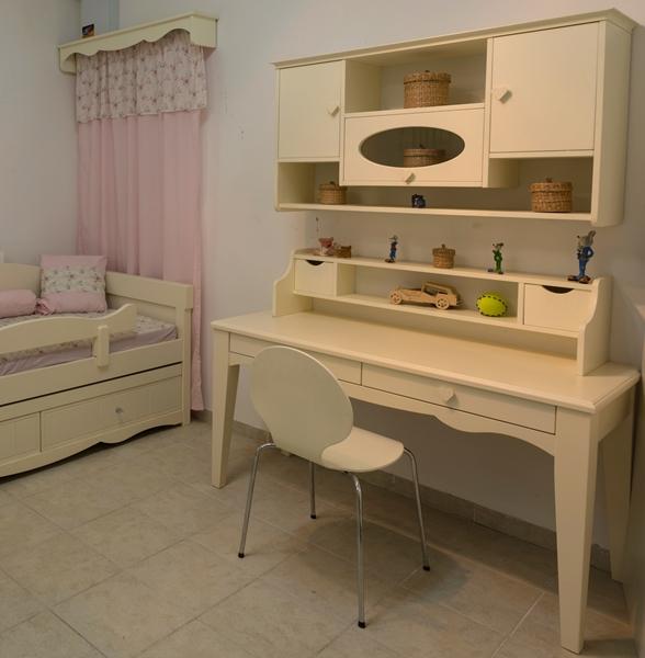 שולחן לואיזה עם מיטה אוראל 11 - עותק
