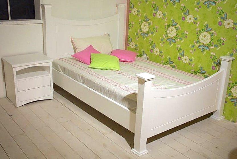 מיטה דגם מורן