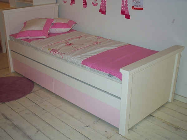 מיטה דגם ניצן